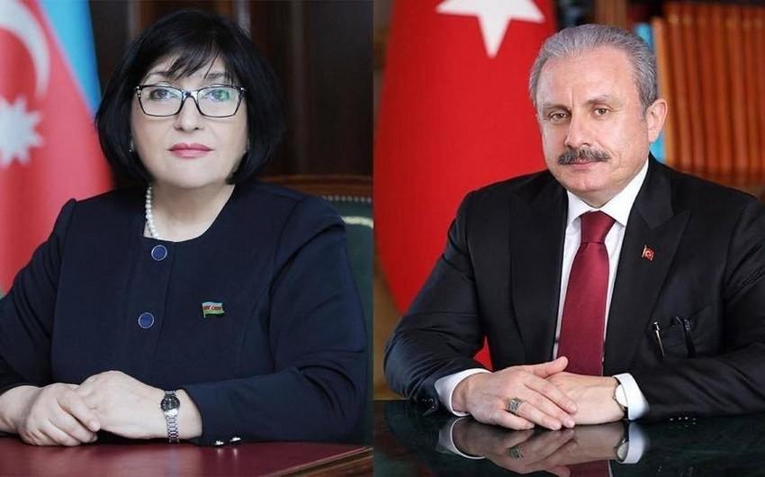 Milli Məclisin sədri türkiyəli həmkarı ilə telefonla danışıb