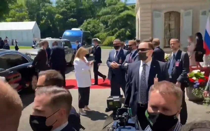 Jurnalistlər Putin və Baydenin görüş zalına daxil ola bilməyiblər