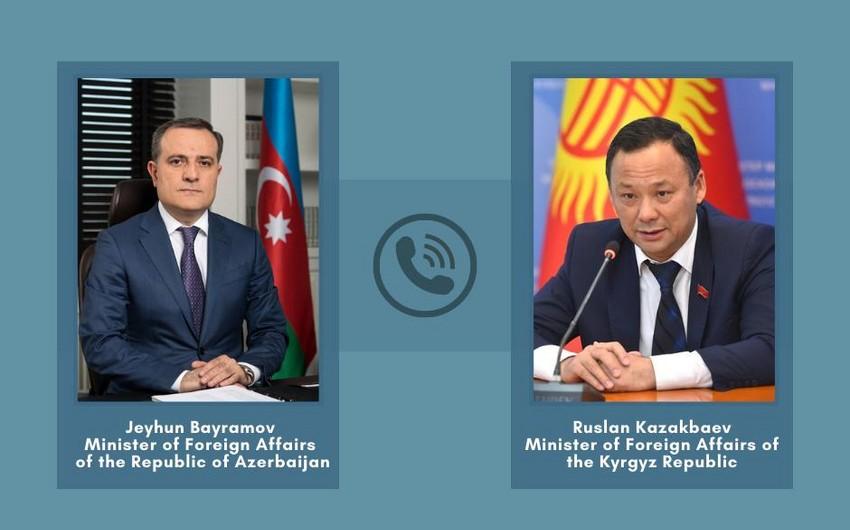 Azərbaycan və Qırğız Respublikasının XİN başçıları arasında telefon danışığı olub