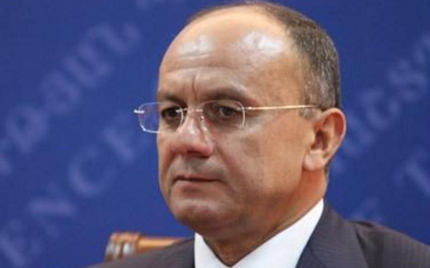 KİV: Ermənistanın müdafiə naziri yalnız Azərbaycanla münaqişə səbəbindən vəzifəsindən azad edilmir