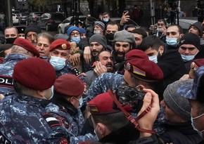 В Ереване возобновляются антиправительственные акции протеста