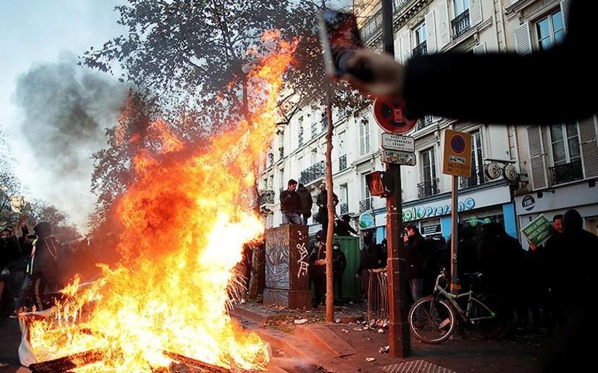 Parisdə iğtişaşlar zamanı 37 polis və jandarm yaralanıb, binalar yandırılıb