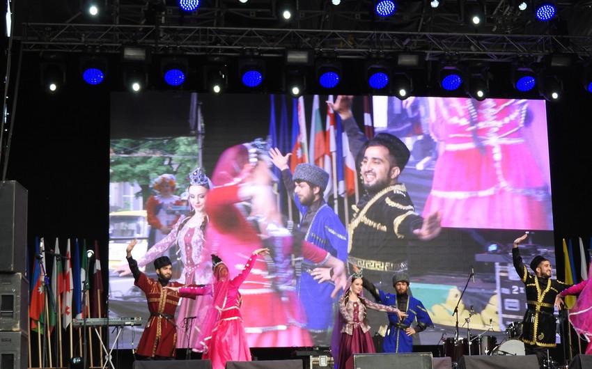 Azərbaycanın milli mətbəxi, musiqisi və mədəniyyəti Ukraynada nümayiş etdirilib