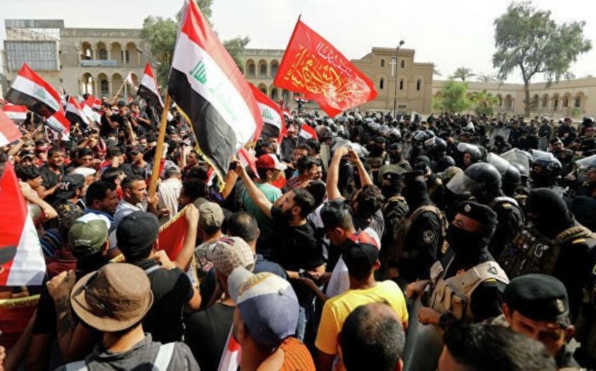 В стычках протестующих с полицией в Багдаде пострадали более 300 человек - ОБНОВЛЕНО