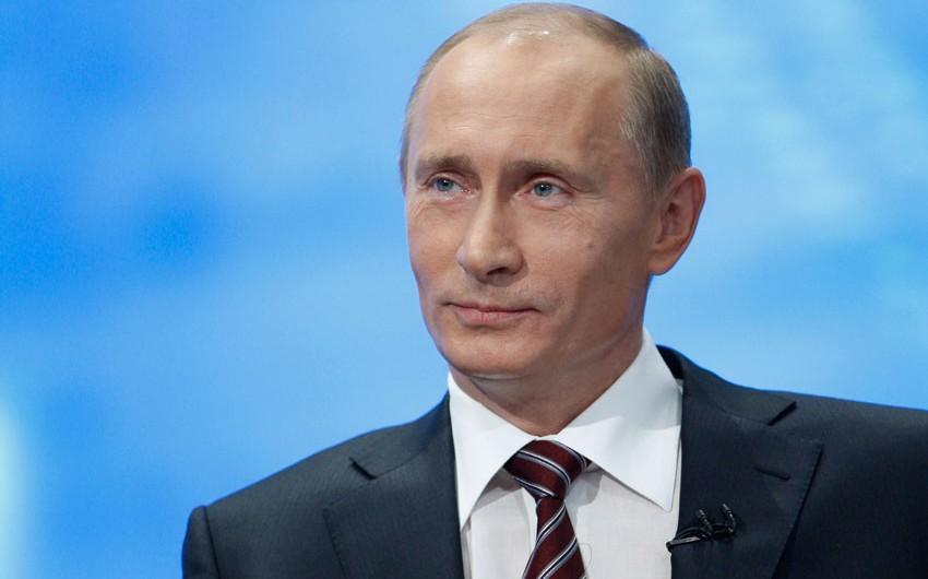 Rusiya prezidenti: İnkişafın yeni mərhələsinə qədəm qoymaq üçün sanksiyalardan istifadə etmək lazımdır
