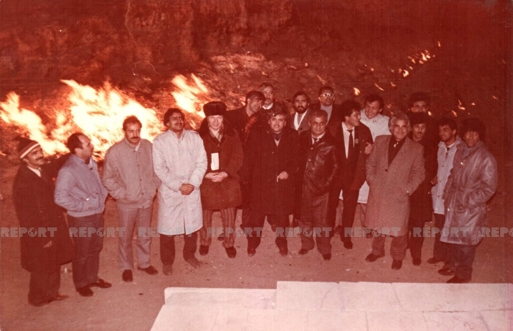 """""""Xəzər görüşləri-89"""" ədəbiyyat forumunun iştirakçıları ilə"""
