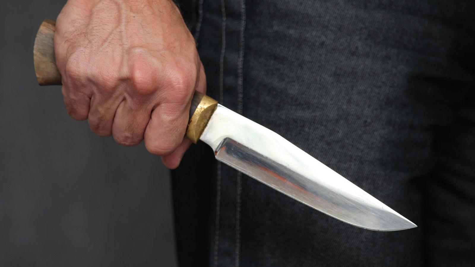 Cəlilabadda narkotik aludəçisi bıçaqlandı