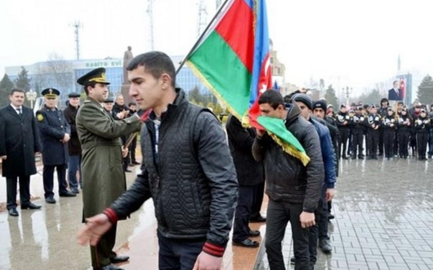 Astarada çağırışçılar həqiqi hərbi xidmətə yola salınıb