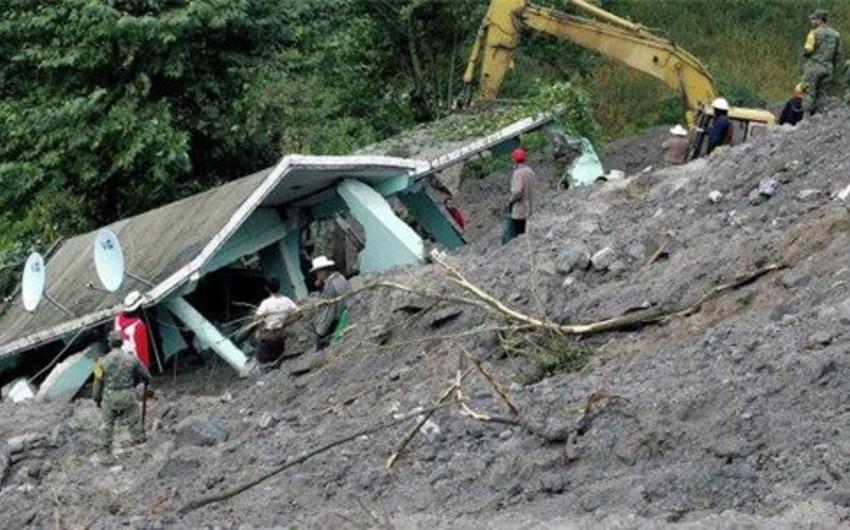 Qvatemalada torpaq sürüşməsi zamanı 9 nəfər həlak olub