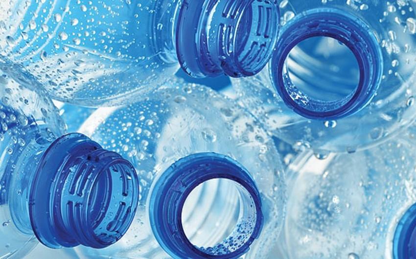 Названа опасность воды в бутылках