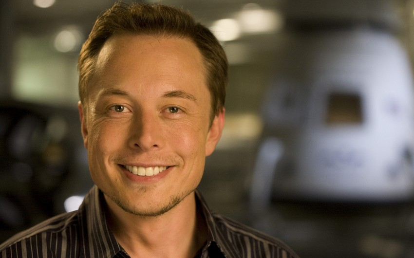 Musk says he intended to sell Tesla to Apple