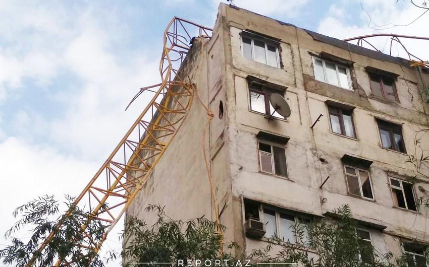 FHN: Kranın aşması nəticəsində binanın bir neçə mərtəbəsinə ziyan dəyib