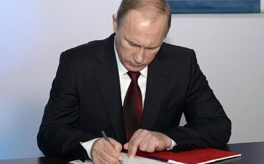 Vladimir Putin DİN və FHN-dən bir neçə generalı istefaya göndərib