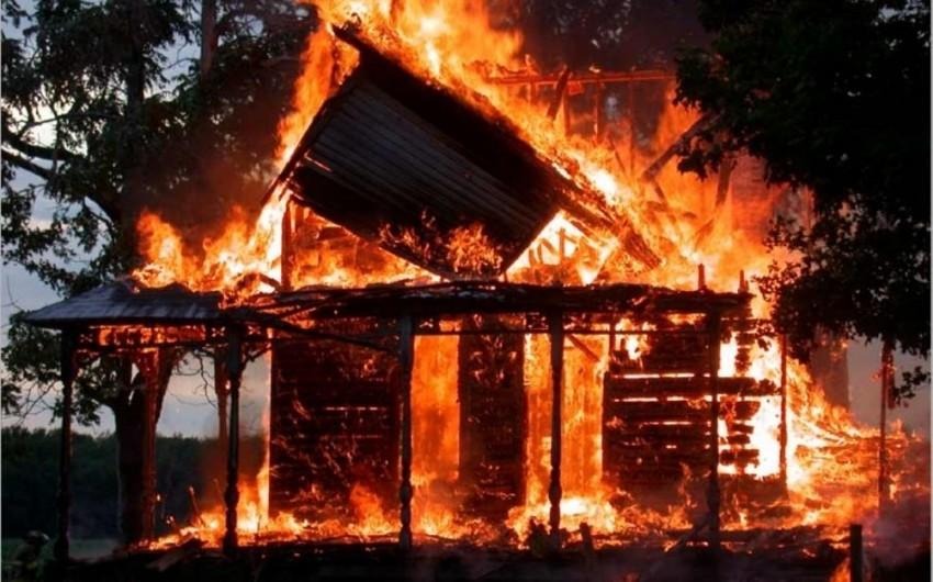 Ağstafada ev yanıb, xəsarət alan var