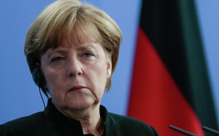 Angela Merkel və Aİ rəhbərliyi Türkiyə və Suriya sərhədinə gedib