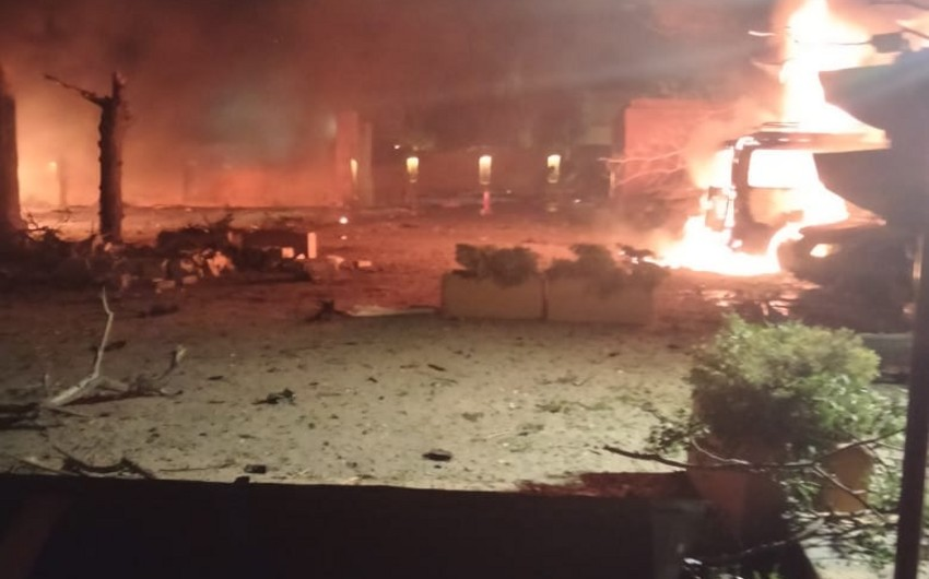 В Пакистане три человека погибли при взрыве у отеля