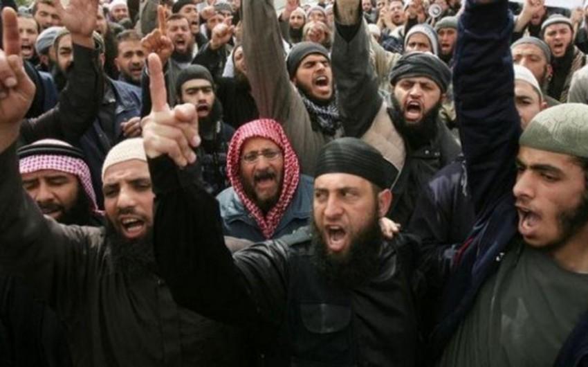 Pakistanda radikal sünnilərin lideri öldürülüb