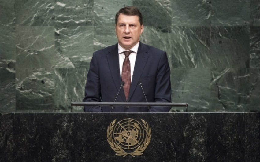 Latviya prezidenti Qarabağ münaqişəsini gündəlikdə saxlamağa çağırıb