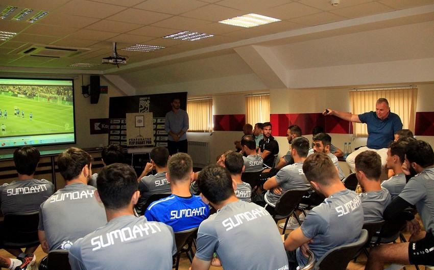 Судейский комитет АФФА провел семинар для Сумгайыта