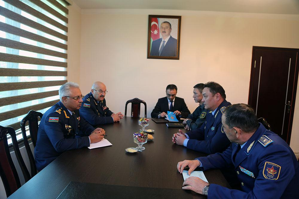 Commander-in-Chief of Kazakh Air Defense Forces arrives in Azerbaijan
