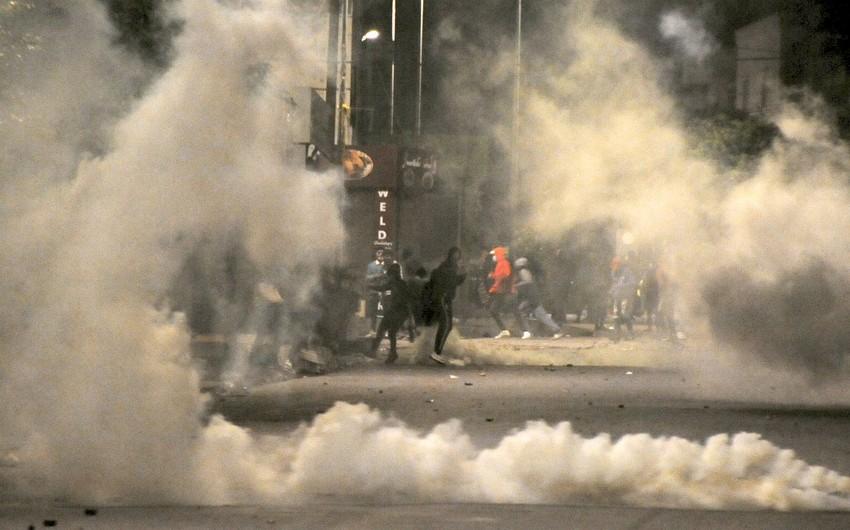 В Тунисе за неделю беспорядков задержали более 1,2 тыс. человек