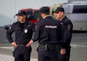 Rusiyada futbolçu polisi döydü