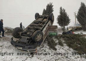 Автомобиль CBC TV перевернулся на заснеженной дороге