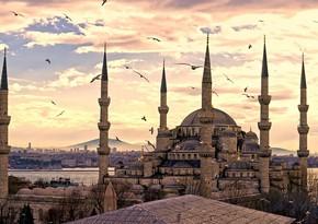 Turkey announces three-day lockdown