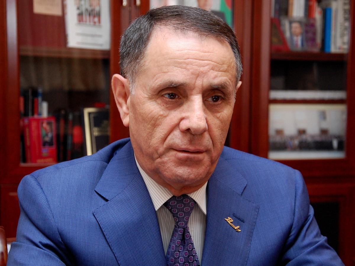 Премьер-министр Новруз Мамедов отбыл в Париж