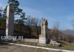 Восстанавливается разрушенный армянами в Шуше мемориальный комплекс