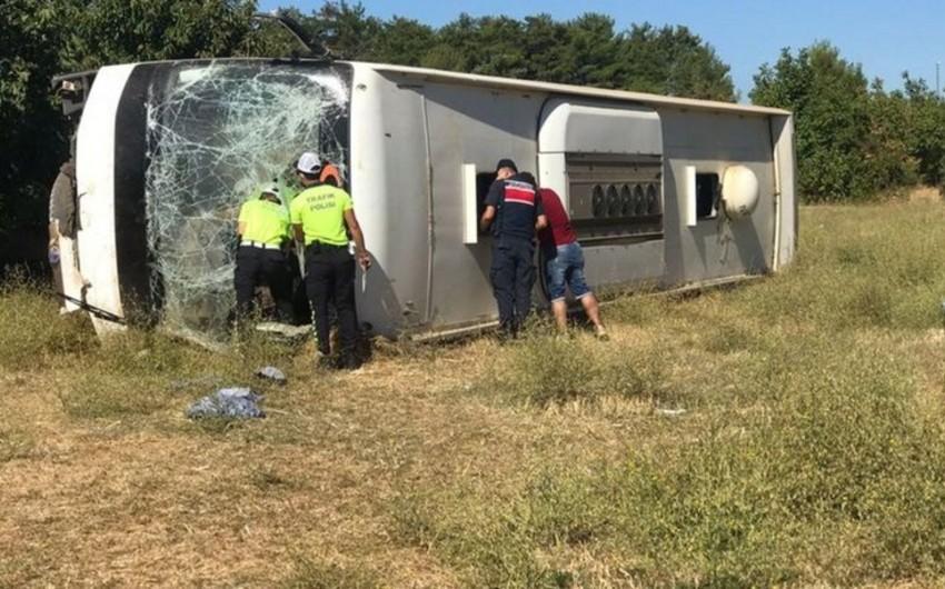 Türkiyədə iki avtobus toqquşub, ölən və yaralananlar var