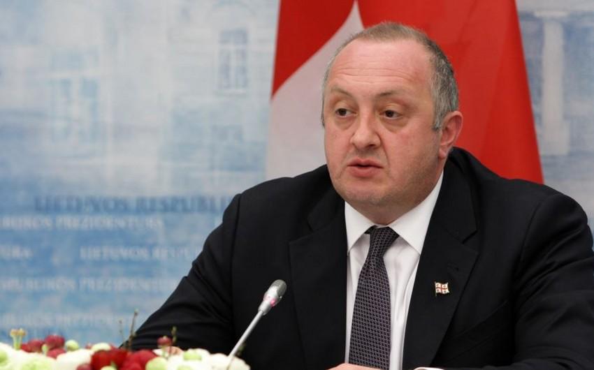 Gürcüstan prezidenti 91 məhkumu əfv edib