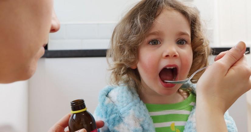 Минздрав: Нельзя давать детям витамины без консультации врача