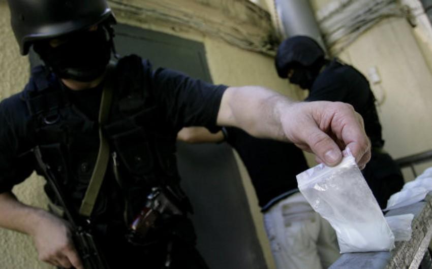 Rusiyada azərbaycanlının evindən 500 mln. dollar məbləğində heroin aşkar olunub