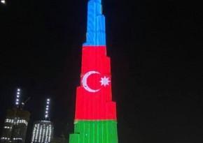 Azərbaycan bayrağı dünyanın ən hündür binasında əks olunub