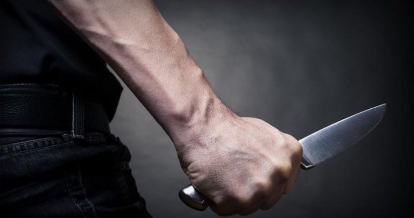 В Баку мужчине нанесли ножевое ранение