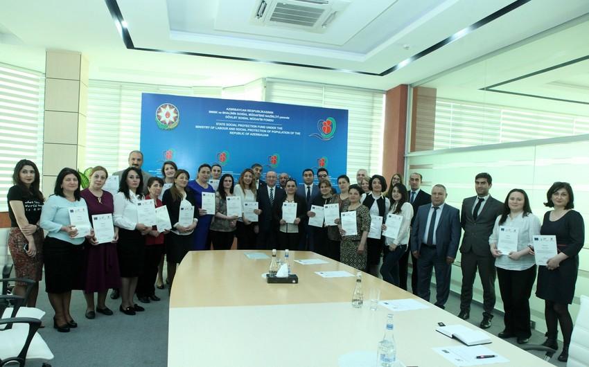 Sosial xidmət sahəsində təlim keçən iştirakçılara sertifikatlar təqdim edilib