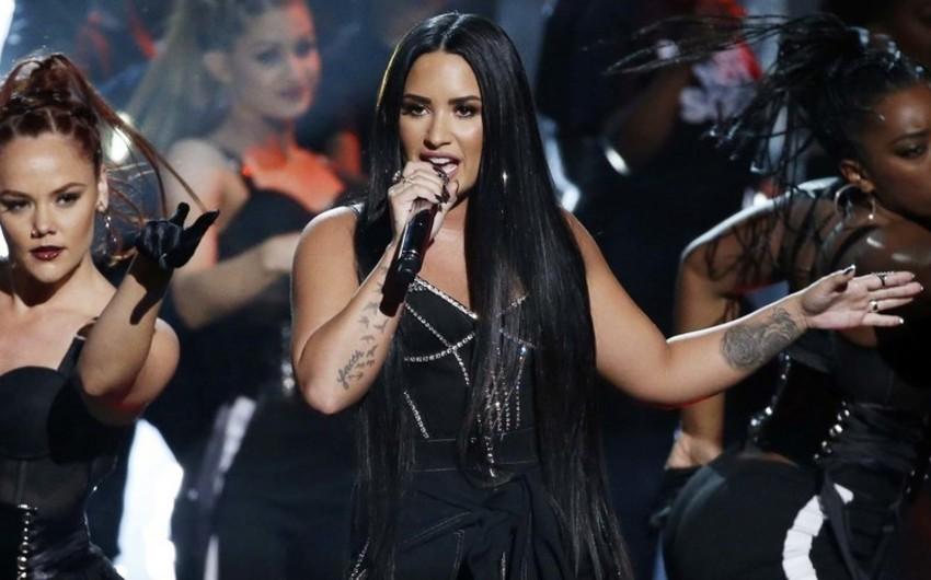 Американская певица Деми Ловато госпитализирована в одну из больниц Лос-Анджелеса