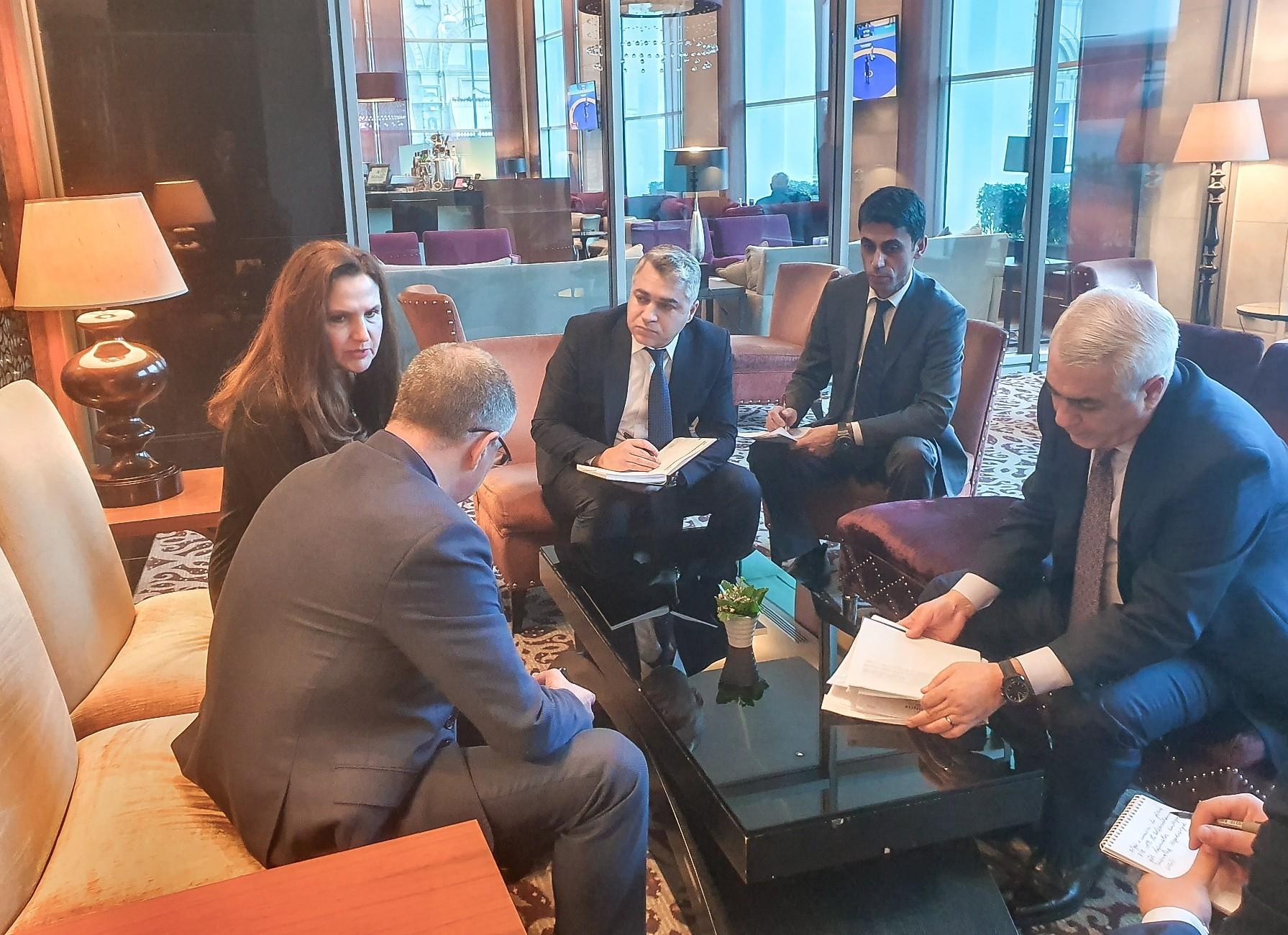 Болгария заинтересована в перевозке грузов в Европу по БТК