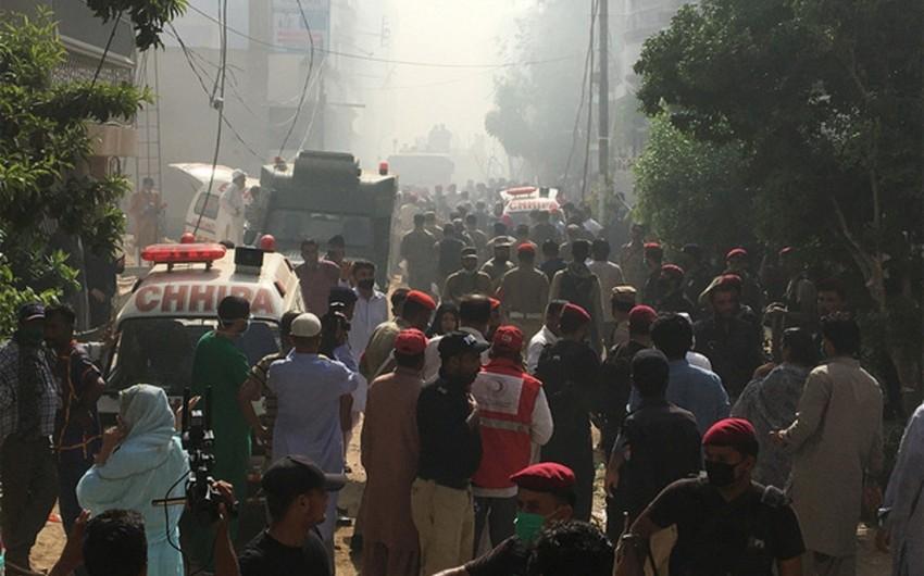 Pakistanda qəzaya uğramış təyyarədə sağ qalanların sayı açıqlandı