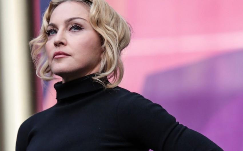 Madonna İlin qadını seçilib
