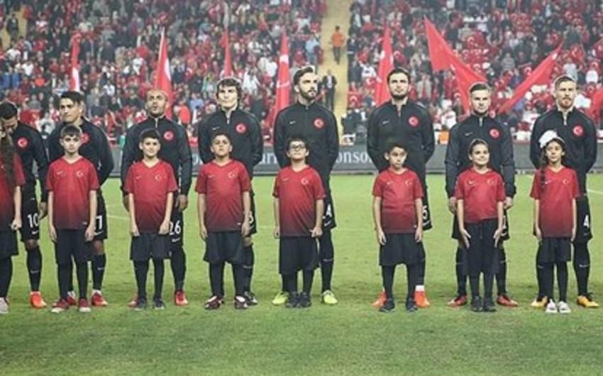 Türkiyə milli komandasının heyətində dəyişiklik olub