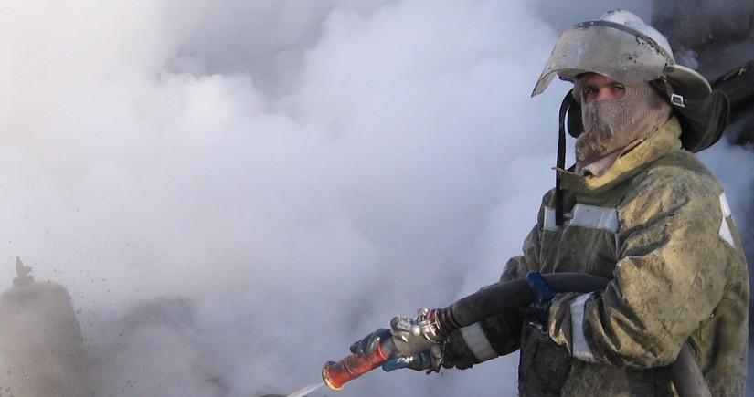В Баку произошел пожар в жилом здании, есть пострадавшие
