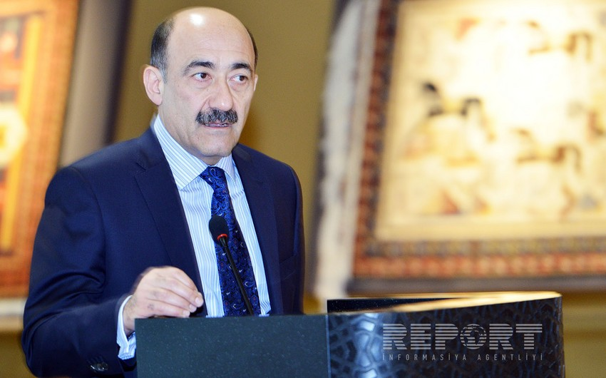 """Əbülfəs Qarayev """"Şöhrət"""" ordeni ilə təltif edilib"""