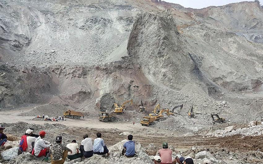 Banqladeşdə torpaq sürüşməsi nəticəsində 4 uşaq ölüb