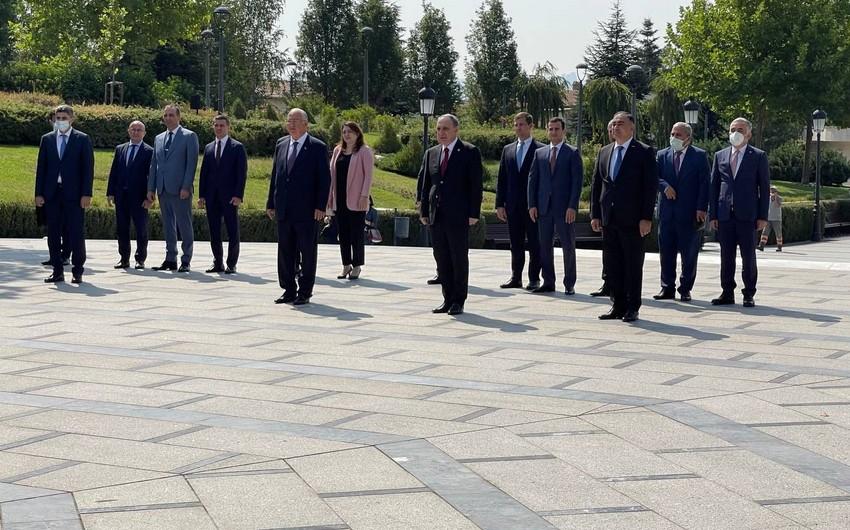 Baş prokuror Ankarada Heydər Əliyevin adını daşıyan parkı ziyarət edib