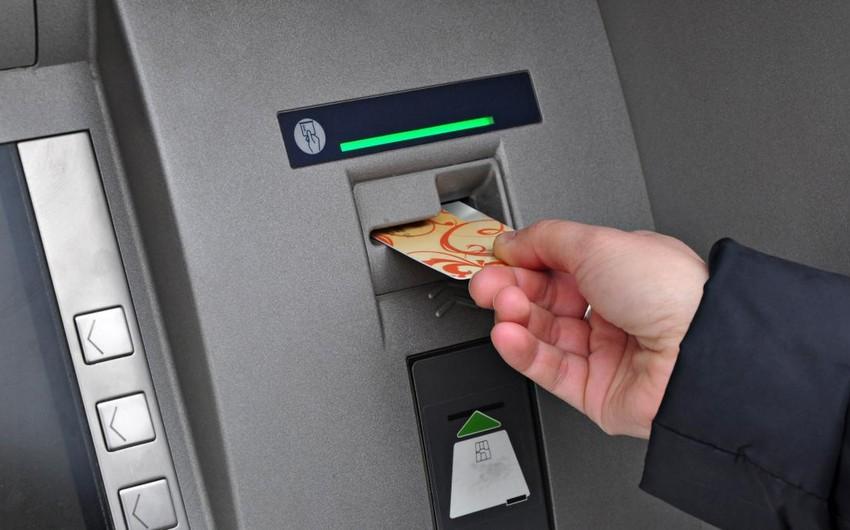 Paşa Bank bankomatdan xarici valyutanın çıxarılmasına limit qoyub