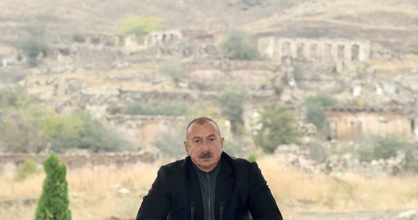 Глава государства: За девять месяцев экономика Азербайджана выросла примерно на 5 процентов, ненефтяная промышленность – на 20 процентов