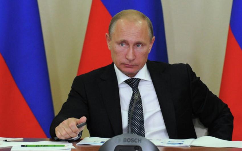 Rusiya prezidenti Maliyyə-Büdcə Nəzarəti Federal Xidmətini ləğv edib