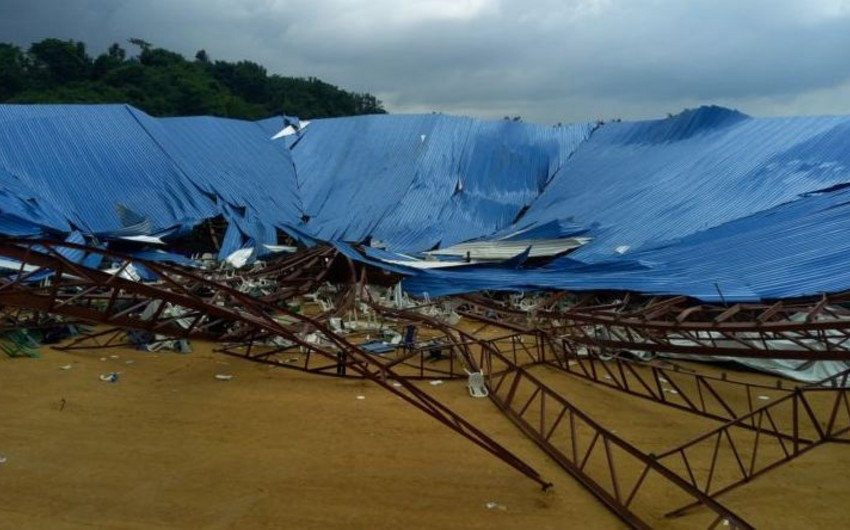 Nigeriyada ibadət zamanı kilsənin tavanı uçub, 160 nəfər ölüb - VİDEO